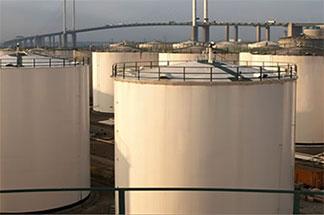 Jongia Mixing Technology uw partner voor mixers en mengers in de petro chemische industrie